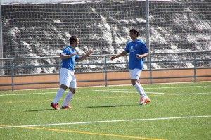 Montero y Ángel Román celebran uno d elos goles