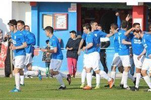 celebrando gol en Tarifa