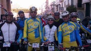 Ciclistas ubriqueños en el Homenaje