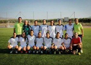 Equipo de fútbol 7 femenino de la UMA, con Ana María Pino (arriba, cuarta por la derecha)